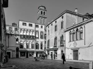 Le Campo Santa Maria Mater Domini dans le Sestier de Santa Croce à Venise.
