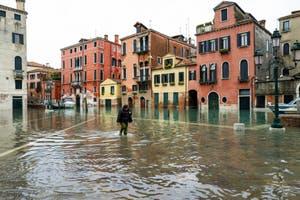 Acqua Alta de Novembre 2019 à Venise, Campo San Giovanni e Paolo dans le Castello à Venise.