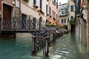 Acqua Alta de Novembre 2019 à Venise, la Fondamenta del Rimedio dans le Castello à Venise.