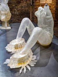 Andra Ursuta, Predators 'R Us, à la Biennale d'Art de Venise