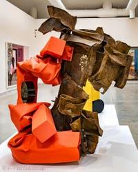 Carol Bove, New Moon, à la Biennale d'Art de Venise