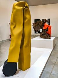 Carol Bove, Nike I, à la Biennale d'Art de Venise