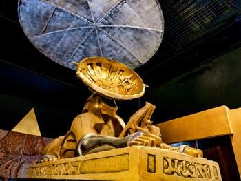 Pyramide du Sphinx Khnum Parabole au Pavillon égyptien de la Biennale d'Art de Venise 2019
