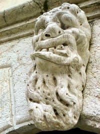 Le Mascherone du Campanile de Santa Maria Formosa à Venise