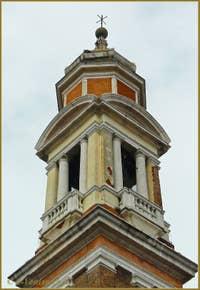 La chambre des cloches du Campanile dei Santi Apostoli, dans le Cannaregio à Venise.