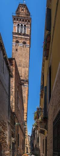 Campanile Santo Stefano, à Saint-Marc à Venise.