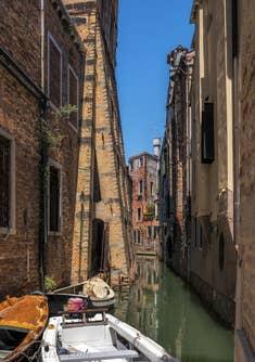 Campanile Santo Stefano, renforts sur le rio Malatin, à Saint-Marc à Venise.