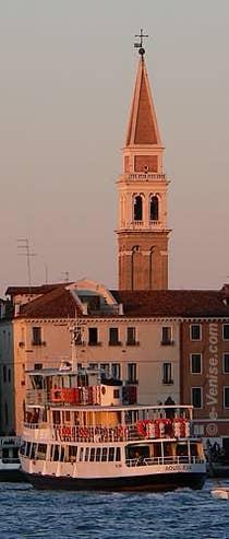 Le Campanile de San Francesco della Vigna vu depuis la riva degli Schiavoni