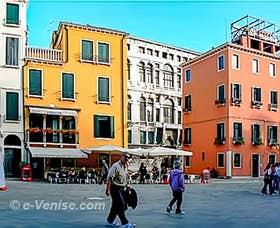 les couleurs du Campo Santo Stefano à Venise