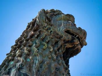 Statue du Lion de Saint-Marc sur la colonne côté Palais des Doges de  la Piazzetta San Marco à Venise