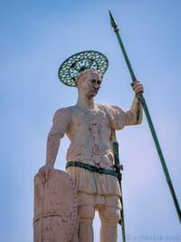 Statue de Saint-Théodore sur la colonne de la Piazzetta San Marco à Venise