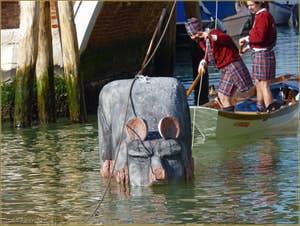 Carnaval de Venise - Le Carnaval en bateau des Vénitiens, le vol de la Pantegana