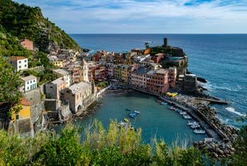 Le port de Vernazza aux Cinq Terres en Italy