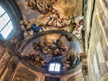 Presbyterium de la Badia Fiorentina, fresques de Giovanni Domenico Ferretti de 1733-34, à Florence en Italie