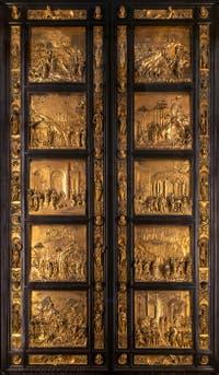 La porte du Paradis du Baptistère de San Giovanni à Florence en Italie