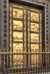 Porte du Baptistère de San Giovanni à Florence en Italie