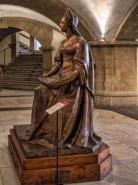 Statue en bronze d'Anna Maria Luisa de Médicis (1667-1743) Crypte de la chapelle Médicis à Florence en Italie