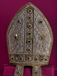 Mitre du Pape Léon X Trésor de la chapelle des Princes Médicis à Florence en Italie