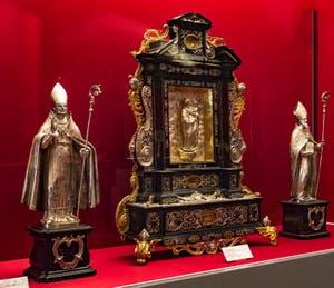 Reliquaire de Saint-Noël Crypte de la chapelle Médicis à Florence en Italie