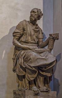 Statue de saint Damien par Raffaello da Montelupo, Sacrestia Nuova, la chapelle Médicis de Michel-Ange à Florence en Italie