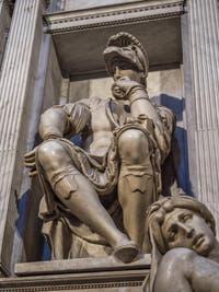 Statue de Lorenzo de Médicis, Sacrestia Nuova, la chapelle Médicis à Florence en Italie