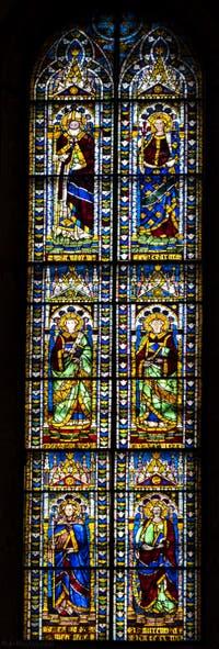 Vitraux de la Cathédrale Santa Maria del Fiore, le Duomo à Florence en Italie