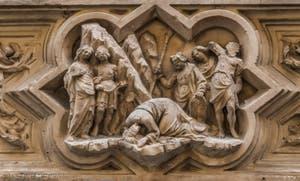 Niccolo Piero Lamberti, Statue Saint-Jacques 1420 et tabernacle de la décapitation par Giovanni Albizzo en 1413, pour la guilde des fourreurs de vair, église Orsanmichele à Florence en Italie