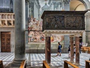 Chaire de Donatello dans l'église Basilique San Lorenzo Médicis à Florence en Italie