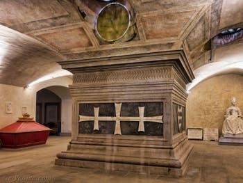 Tombeau de Cosimo de Médicis l'Ancien dans la crypte de l'église San Lorenzo à Florence en Italie