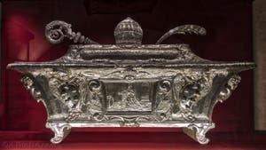 Reliquaire du trésor Médicis dans la crypte de l'église San Lorenzo à Florence en Italie