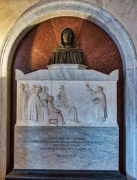 Monument Jerôme Savonarole au Couvent Musée San Marco à Florence en Italie