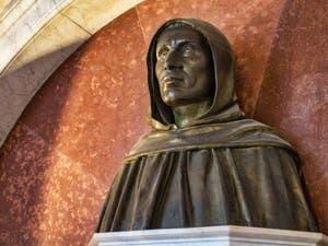 Monument et Buste de Jerôme Savonarole au Couvent Musée San Marco à Florence en Italie