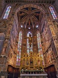 Chœur de l'église Santa Croce à Florence en Italie