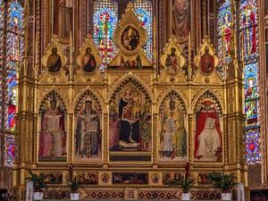 Autel du chœur de Santa Croce à Florence en Italie