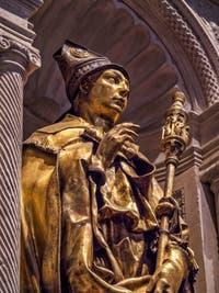 Donatello Statue de Saint-Ludovic de Toulouse (1422-1425) église de Santa Croce à Florence en Italie