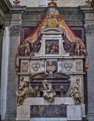 Tombe de Michel-Ange Santa Croce à Florence en Italie