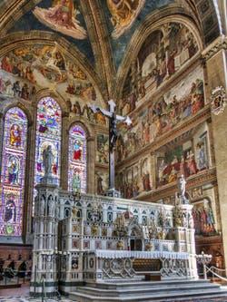 Chœur de l'église Santa Maria Novella à Florence en Italie
