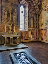 Chapelle Rucellai (1330) de l'église Santa Maria Novella à Florence en Italie