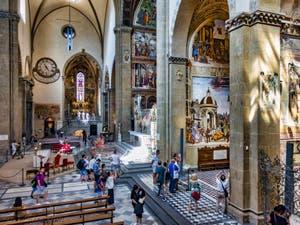 Transept et chapelles de la basilique église de Santa Maria Novella à Florence en Italie