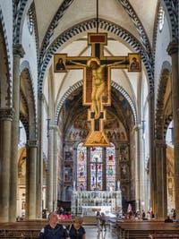 Crucifix de Giotto dans la basilique église de Santa Maria Novella à Florence en Italie