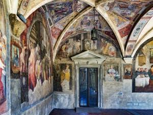 Fresques du grand cloître de la basilique église de Santa Maria Novella à Florence en Italie