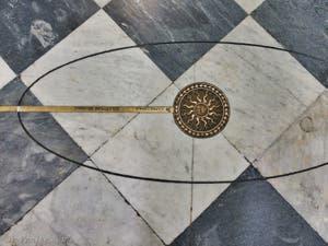 Nef de l'église Santa Maria Novella à Florence en Italie