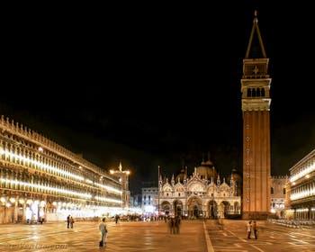 La Basilique et le Campanile de Saint-Marc à Venise