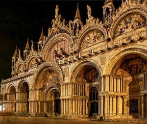 La façade de la Basilique Saint-Marc à Venise