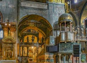 La nef et l'intérieur de la Basilique Saint-Marc