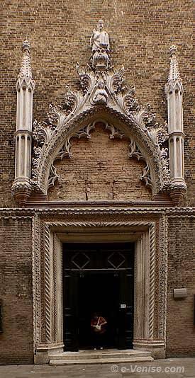 église Santo Stefano Portail de Bartolomeon Bon 1442