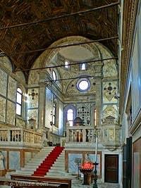 Le Chœur de l'église Santa Maria dei Miracoli à Venise