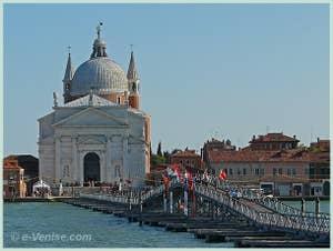 L'église du Redentore et son pont votif à Venise lors de la Fête du Rédempteur