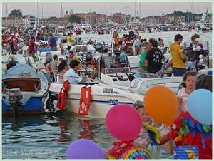 Pique-nique sur le Bassin de Saint-Marc lors de la Fête du Rédempteur à Venise