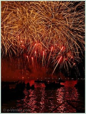 La Fête du Rédempteur à Venise : le Feu d'Artifice sur le Canal de la Giudecca